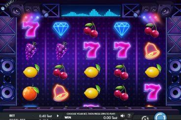 Fruity Grooves slot screenshot 1